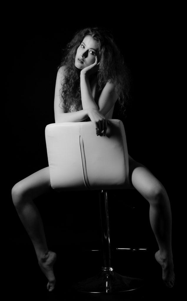 Photographer, Colin Solomon, Edited, Jess Sexton, Retoucher, Beauty Exposed, Hemel Hempstead, Heidi, Black and white, black out, Crazy Hair, Portrait, Nude, Nude art